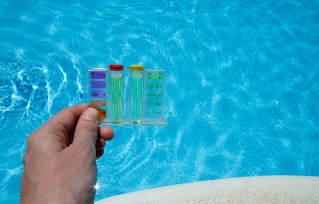 Maintaining your pool water ph aqua touch pool care How to maintain swimming pool water